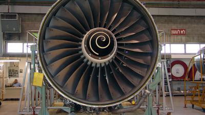 - Boeing 777-200 - Rolls-Royce