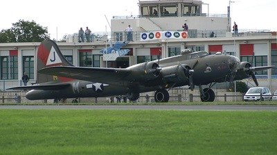 F-AZDX - Boeing B-17G Flying Fortress - Private