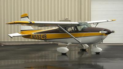 A picture of N5924B - Cessna 182A Skylane - [33924] - © Paul Chandler