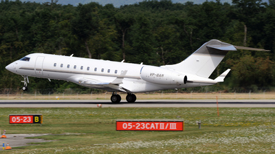 VP-BAM - Bombardier BD-700-1A11 Global 5000 - Private
