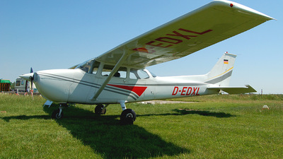 A picture of DEDXL - Cessna F172M Skyhawk - [F17201098] - © Henrik Plociennik