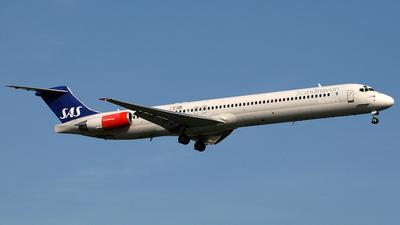 LN-ROA - McDonnell Douglas MD-90-30 - Scandinavian Airlines (SAS)