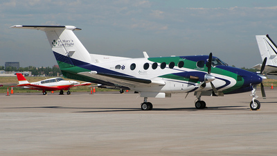 N912SM - Beechcraft 200 Super King Air - Private
