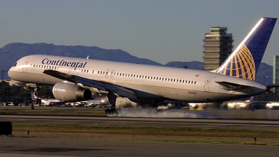 N14121 - Boeing 757-224 - Continental Airlines
