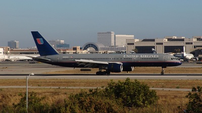 N594UA - Boeing 757-222 - United Airlines