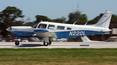 A picture of N220L - Piper PA32R300 - [32R7780393] - © Paul Chandler