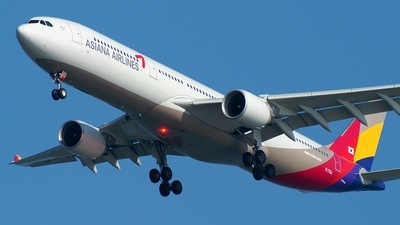 HL7754 - Airbus A330-323 - Asiana Airlines