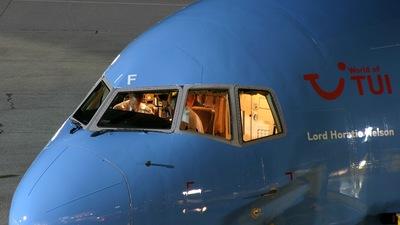 G-BRIF - Boeing 767-204(ER) - Thomsonfly