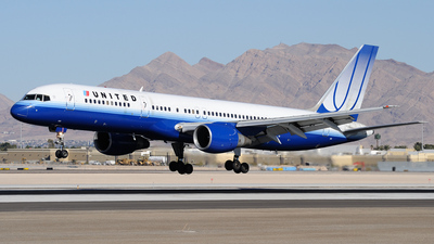 N561UA - Boeing 757-222 - United Airlines