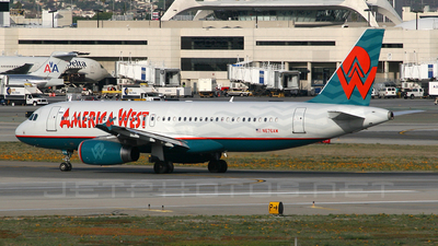 N676AW - Airbus A320-232 - America West Airlines