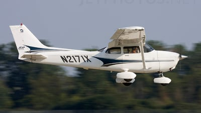 A picture of N2171X - Cessna 172S Skyhawk SP - [172S9655] - © Andrew Thompson