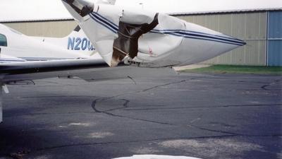 N200LE - Cessna 310R - Pond Air Express