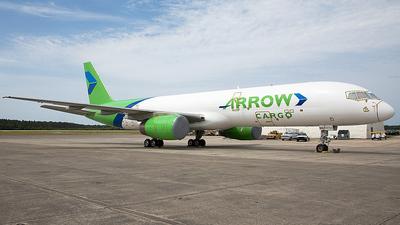 N822PB - Boeing 757-28A(SF) - Arrow Cargo