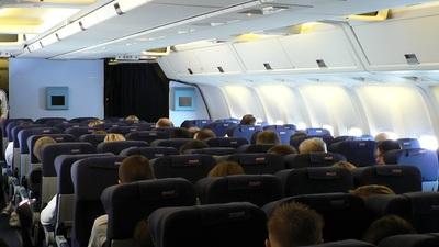 G-OBYG - Boeing 767-304(ER) - Thomsonfly