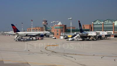 LIPZ - Airport - Ramp