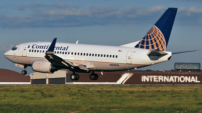N52616 - Boeing 737-524 - Continental Airlines