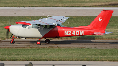 A picture of N24DM - Cessna 177RG Cardinal RG - [177RG0678] - © Bruce Leibowitz