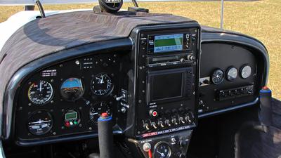 YR-5133 - TL Ultralight TL-2000 Sting Carbon - Private