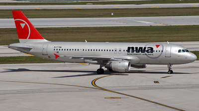 N377NW - Airbus A320-212 - Northwest Airlines
