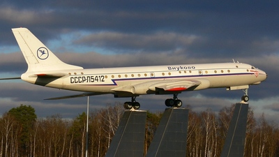 - Tupolev Tu-104 - Untitled
