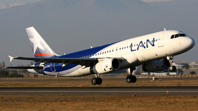 CC-COC - Airbus A320-233 - LAN Airlines