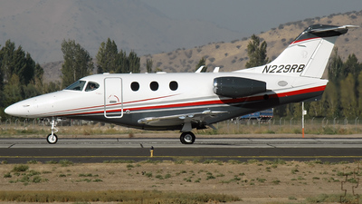 A picture of N229RB - Beech 95B55 Baron - [TC2100] - © Claudio Luna