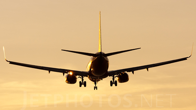 N498WN - Boeing 737-7H4 - Southwest Airlines