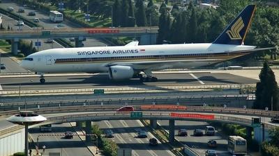 9V-SQM - Boeing 777-212(ER) - Singapore Airlines
