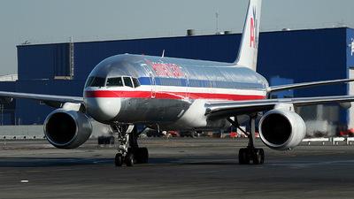 N181AN - Boeing 757-223 - American Airlines