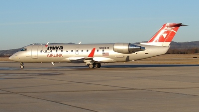 N8847A - Bombardier CRJ-440 - Northwest Airlink (Pinnacle Airlines)