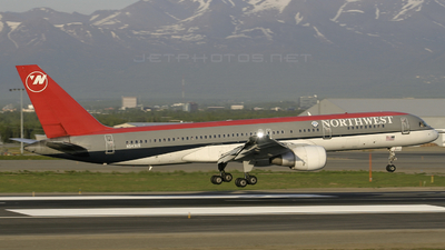 N543US - Boeing 757-251 - Northwest Airlines