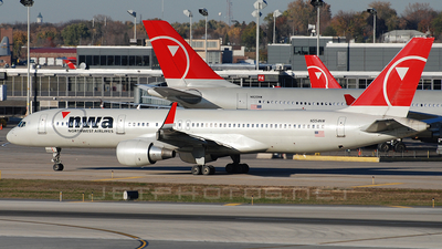 N554NW - Boeing 757-251 - Northwest Airlines