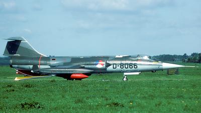 A picture of D8066 - GlaserDirks DG300 - [] - © Joop de Groot