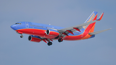 N425LV - Boeing 737-7H4 - Southwest Airlines