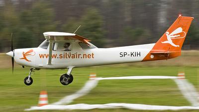 SP-KIH - Reims-Cessna F152 - Silvair