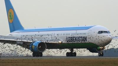 VP-BUE - Boeing 767-3CB(ER) - Uzbekistan Airways