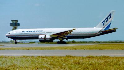 N7771 - Boeing 777-267 - Boeing Company