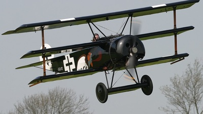 450-17 - Fokker DR.1 - Private