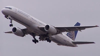 N19130 - Boeing 757-224 - Continental Airlines