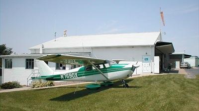 A picture of N7690X - Cessna 172B Skyhawk - [17248190] - © Clint Cottrell Jr.