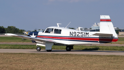 A picture of N9251M - Mooney M20C - [3451] - © Bruce Leibowitz