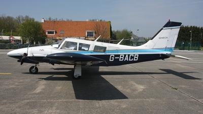 A picture of GBACB - Piper PA34200 Seneca - [347250251] - © Stefan De Sutter