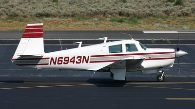 A picture of N6943N - Mooney M20C - [680192] - © Central Imaging