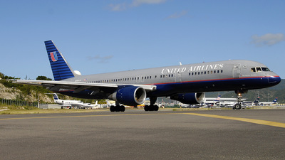 N585UA - Boeing 757-222 - United Airlines
