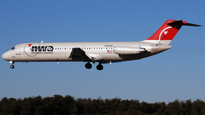 N760NW - McDonnell Douglas DC-9-41 - Northwest Airlines