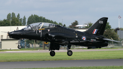 XX225 - British Aerospace Hawk T.1 - United Kingdom - Royal Navy