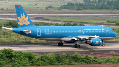 VN-A301 - Airbus A320-214 - Vietnam Airlines
