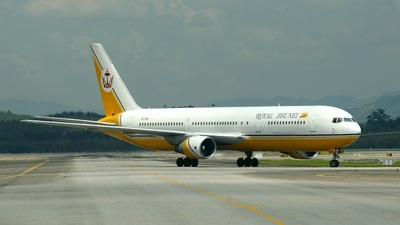 V8-RBJ - Boeing 767-33A(ER) - Royal Brunei Airlines