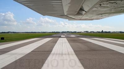 KLFT - Airport - Runway