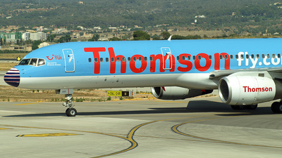 G-CDUO - Boeing 757-236 - Thomsonfly